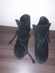 Vendo botas Tok de Camurça número 35