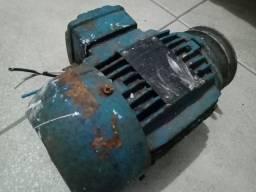 Título do anúncio: Motor pequeno com voltagem 220 v e 380v