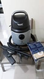 Título do anúncio: Vendo aspirador de pó Electrolux A10 smart