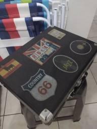 Vitrola portátil semi nova sem marcas de uso