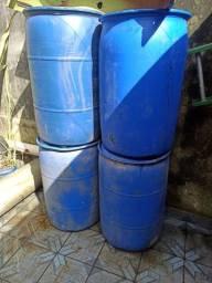 Título do anúncio: 4 Tambor 200 litros - temos opção de entrega hoje no ABC