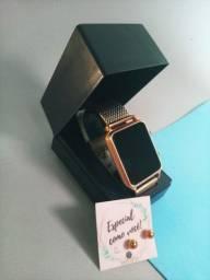 Relógio feminino com estojo