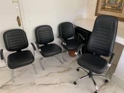 Título do anúncio: Cadeiras de Escritório em couro - muito novas