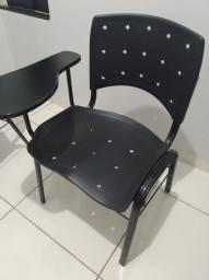 Título do anúncio: Cadeiras universitárias adulto