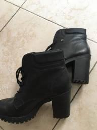 bota feminina/ tamanho 38