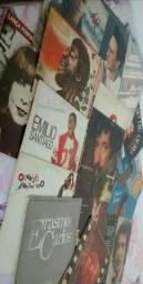 Vendo uma coleção de vinil, com 106 unidade entre LP e Compacto