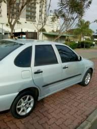 Automóvel - 2001