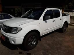 Nissan Frontier 2013 2.5 XE 4X4 Diesel Branca Couro Multimidia - 2013