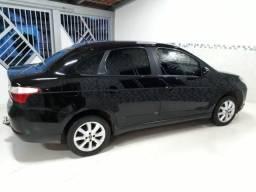 Fiat Grand Siena Attractiv 1.4 12/13 - 2a dona - 2012