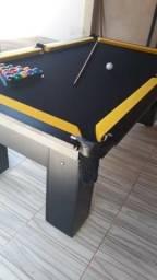Mesa (Quatro Pés) Cor Preta Tecido Preto e Borda Amarela Mod. PWLC0307