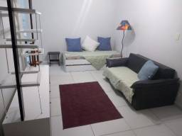 Gonzaga - Sala ampla, 2 dormitórios, área de serviço, elevador, portaria e vaga