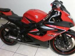 Moto Suzuki Sred 1000