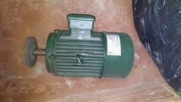 Motor trifásico 220 5cv Novo