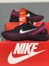 Nike feminino lindo novo na caixa
