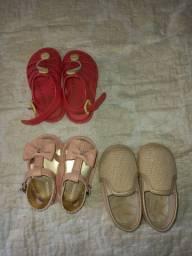 Sapatos infantis semi novos pouco usado