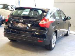 Ford Focus 1.6 Automático vendo troco e financio R$ 54.900,00
