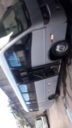 *Vendo micro ônibus*