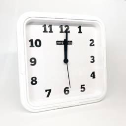 Relógio de parede quadrado branco