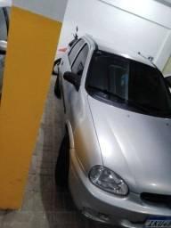 Título do anúncio: Vendo Corsa sedan