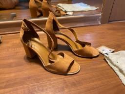Sandália de couro legítimo via mia