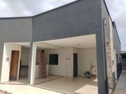 Título do anúncio: Vende-se esta linda casa aceita financiamento, c três quartos no parque dos Carajás
