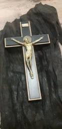 Crucifixo em Madeira Trabalhada