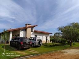 Título do anúncio: Vendo Casa de Campo em Condomínio Fechado