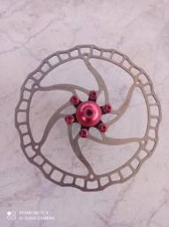 Disco Ashima 160 mm com parafusos anodizados vermelhos