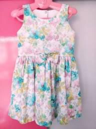 Vestido florido tam. 3 anos