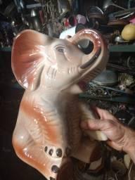Elefante em louça grande  34 cm de altura total