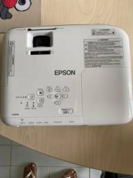 Vendo Projeto Epson, novinho,power lite s41+, branco e o kit completo.