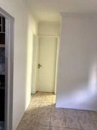 Aluga-se um apartamento de 2 quartos no Cabula. Ótima localização!