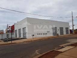 Loja comercial para alugar em Loteamento residencial pequis, Uberlândia cod:702564