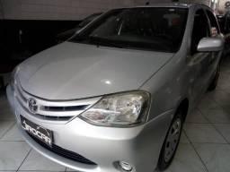 Toyota Etios Hatch 1,3 XS - Completo - 2013