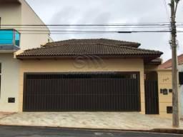 Casa à venda com 3 dormitórios em Centro, Jaboticabal cod:V2520