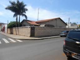 Casa à venda com 3 dormitórios em Centro, Jaboticabal cod:V319