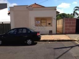 Casa à venda com 2 dormitórios em Centro, Jaboticabal cod:V1155