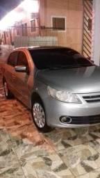 Vendo carro voyagem 2012/2013 - 2012
