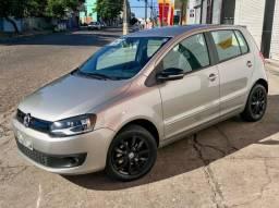 Volkswagen Fox 1.6 impecável - 2013