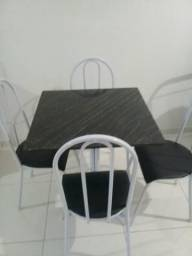 Mesa e 4 cadeiras, pedra mármore