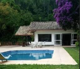 Casa 13 suítes em Correas (Petrópolis) para encontros de amigos e familiares Pós Covid-19