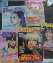 Revistas e posters cantoras pop