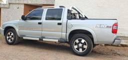 Caminhonete S10 Executive 4x4 Diesel muito bem conservado. Carro extra.