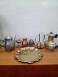 Peças antigas de bronze