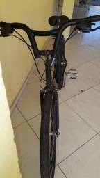 Bicicleta Track & Bikes Aro 26, 18 Velocidades, Preta e Prata