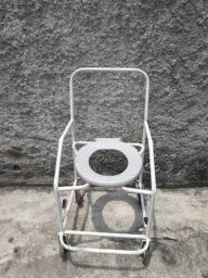 Vende cadeira de rodas ou higenica