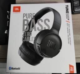 Título do anúncio: Fone de ouvido on-ear sem fio JBL Tune 500BT preto ( NOVO)