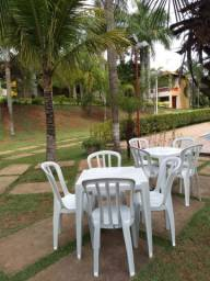 Mesas e cadeiras de aluguel