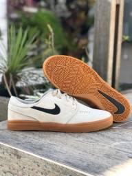 Tênis Nike SB Janoski Couro