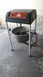 Maquina de fazer massa de coxinha